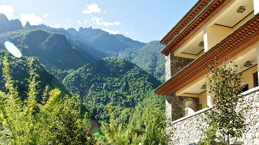 Balkon, Hotel Songtsam Cizhong Lodge, China Rundreise