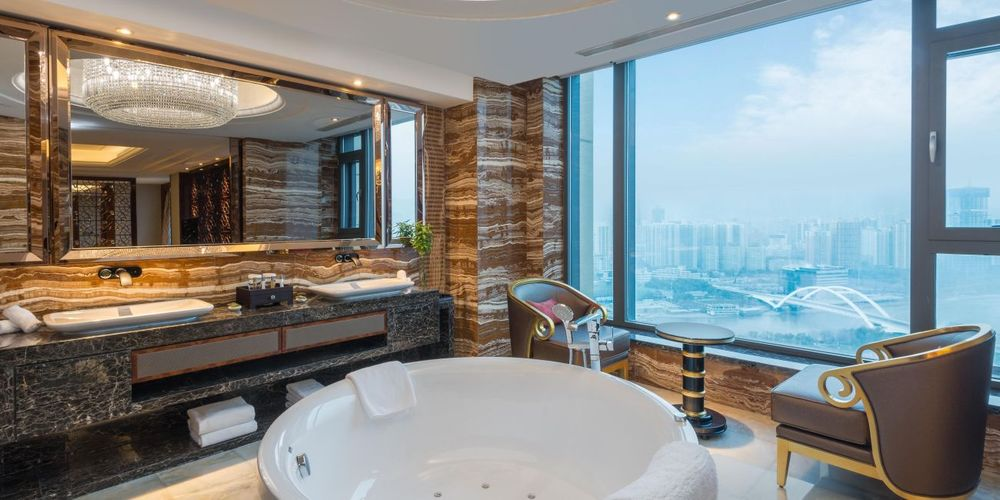 Badezimmer, Crowne Plaza Lanzhou, China Reise