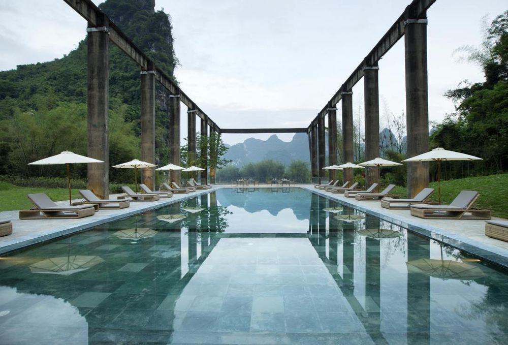 Pool, Alila Yangshuo Luxushotel, China Rundreise