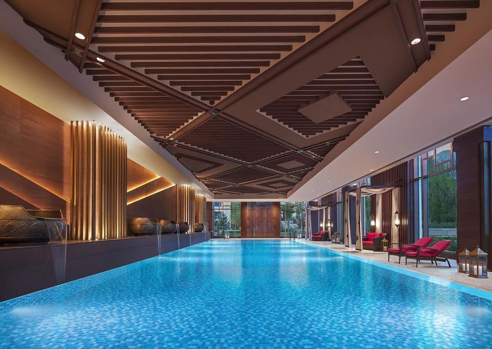 Pool, Shangri-La Hotel Lhasa, Tibet, China Rundreise